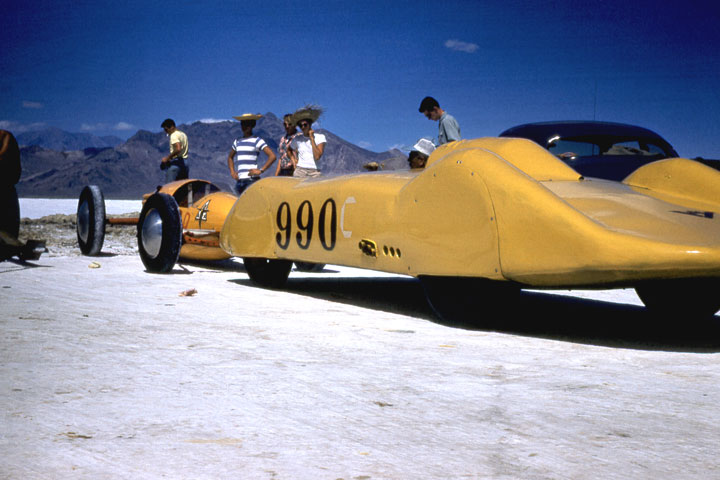 #990C and the Breene & Haller Tank at Bonneville in \'53 (by Joe Barnett).jpg