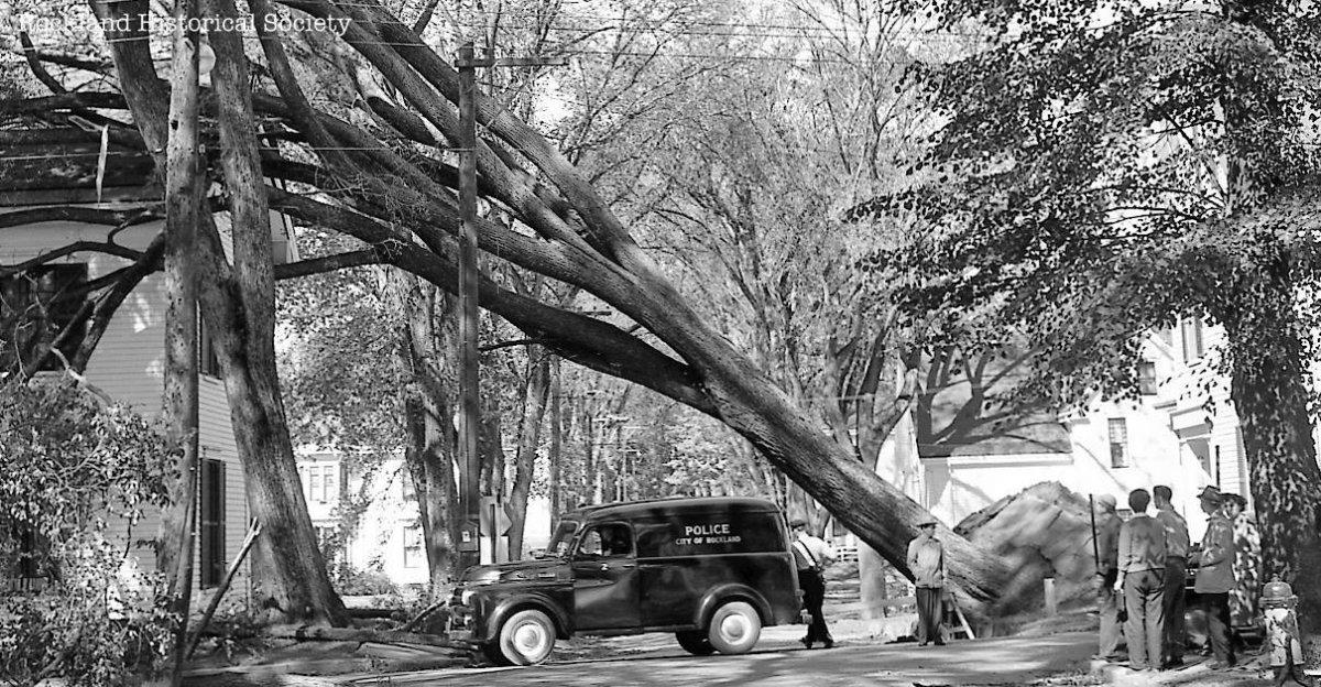 9_12_54 Hurricane Edna.jpg
