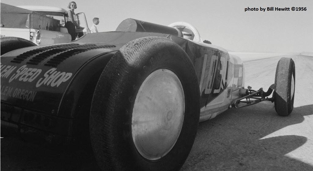 _103c push off - Bonneville 1956 (by Bill Hewitt).jpg