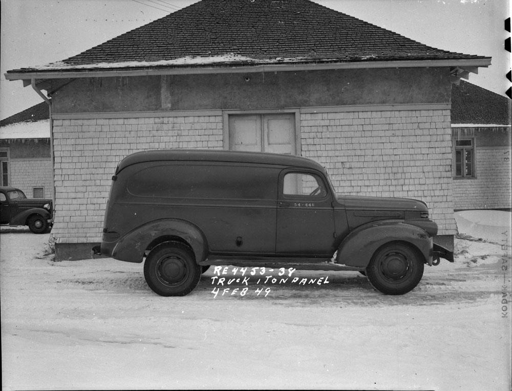 AC- Auto 1940-21.jpg