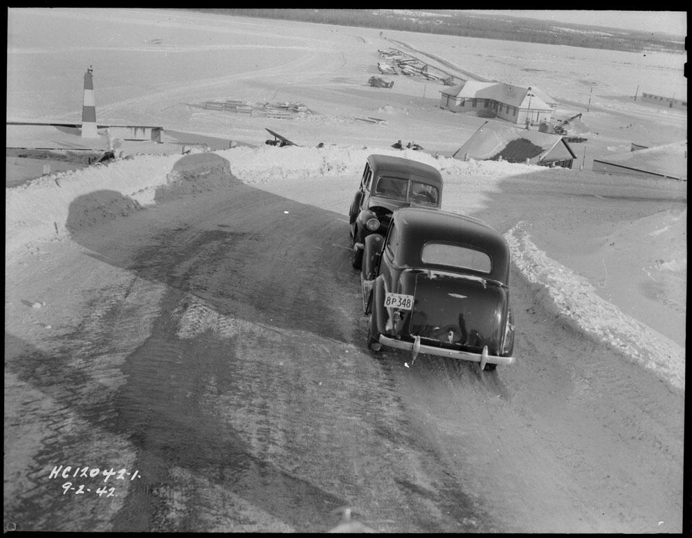 AC- Auto 1942.jpg