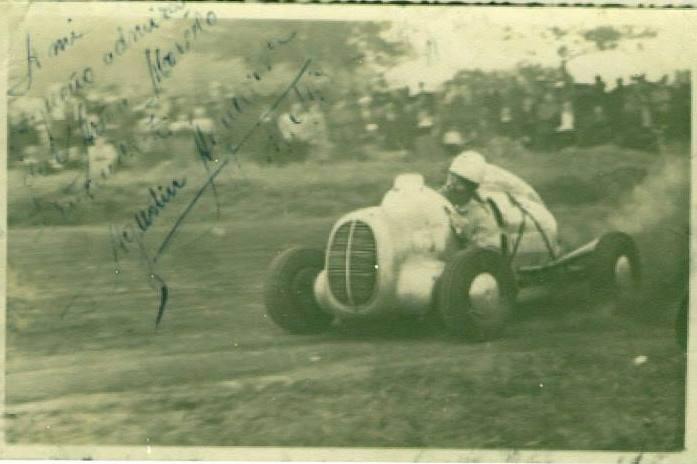agustin aguaviva midget ford 60 1947.jpg