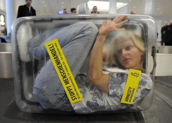 Airline-Transparent-Suitcase.jpg