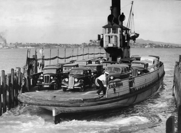 Akl ferry Eaglehawk circa 38.jpg