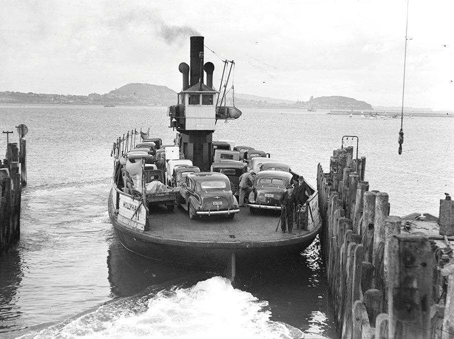 Akl ferry Mollyhawk 40s.jpg