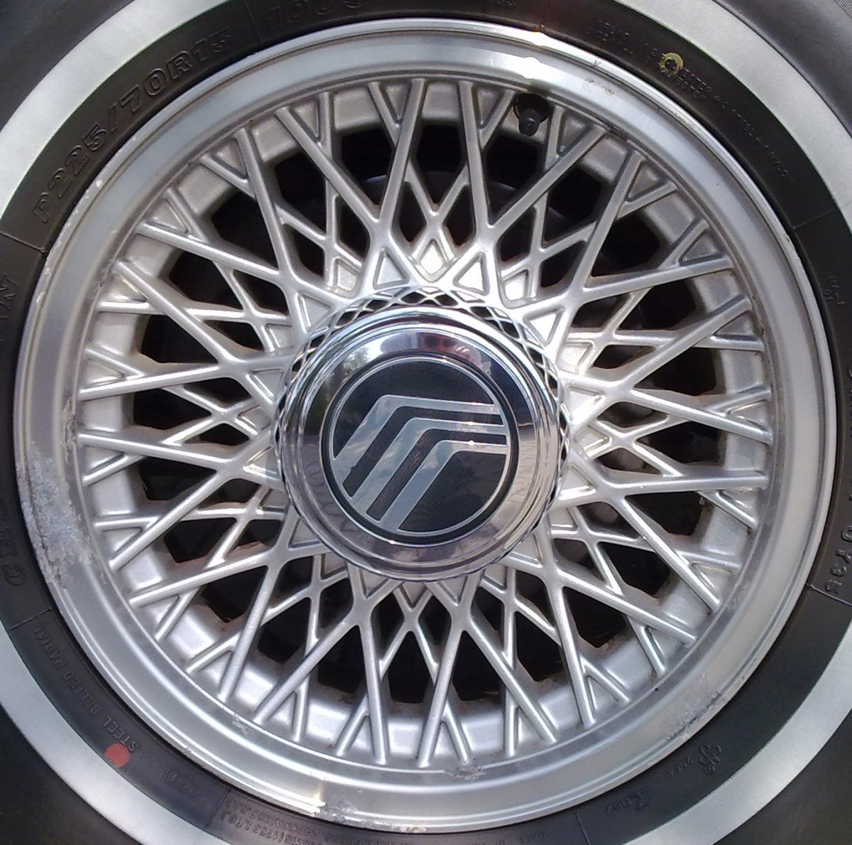 Alloy_wheel_mercury.jpg