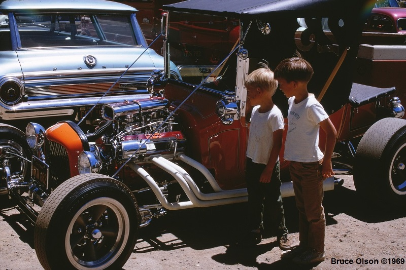 Andy's 3rd Annual Picnic - July '69 -  Kodachrome 14.jpg