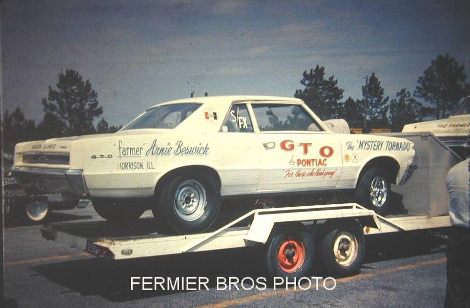 Arnie The Farmer Beswick Mystery Tornado 7.JPG