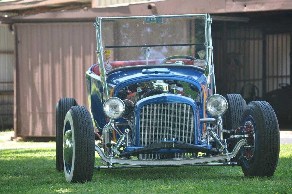 artsy pics 27 roadster 001.JPG