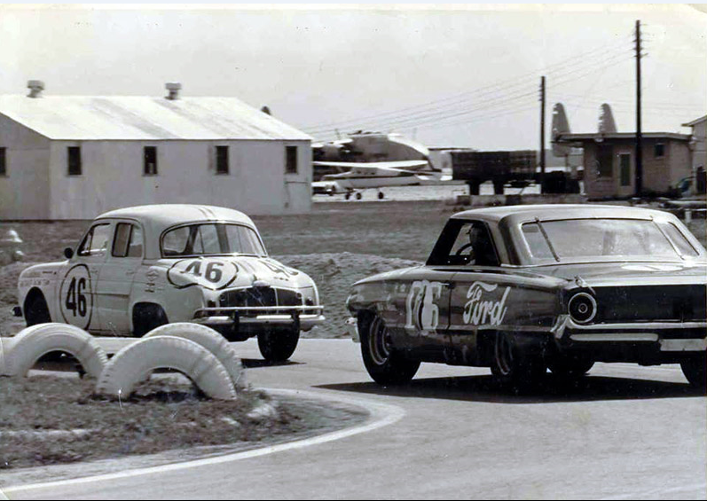 Augie Pabst in the Galaxie at the Sebring 250 International  Sedan race in 1964.PNG