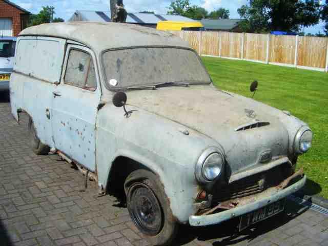 Austin A55 van..jpg