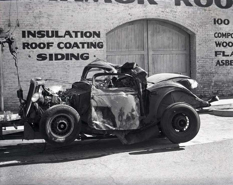 Auto_wreck_at_Colorado_and_Ave_64.jpg