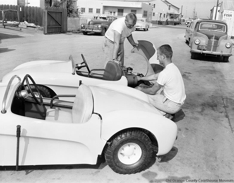 Autopia cars at MAMECO Automotive Engineering (2).jpg