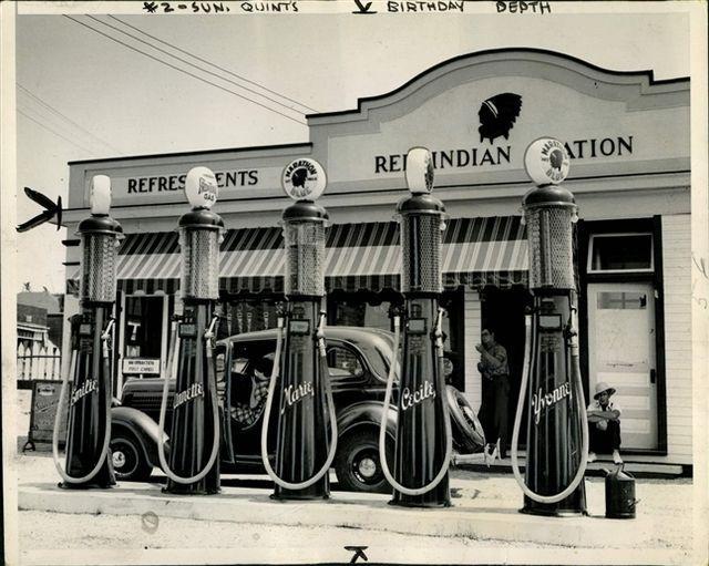 b859d89a07f455f0c41ea535b5d8dbaf--old-gas-pumps-vintage-auto.jpg