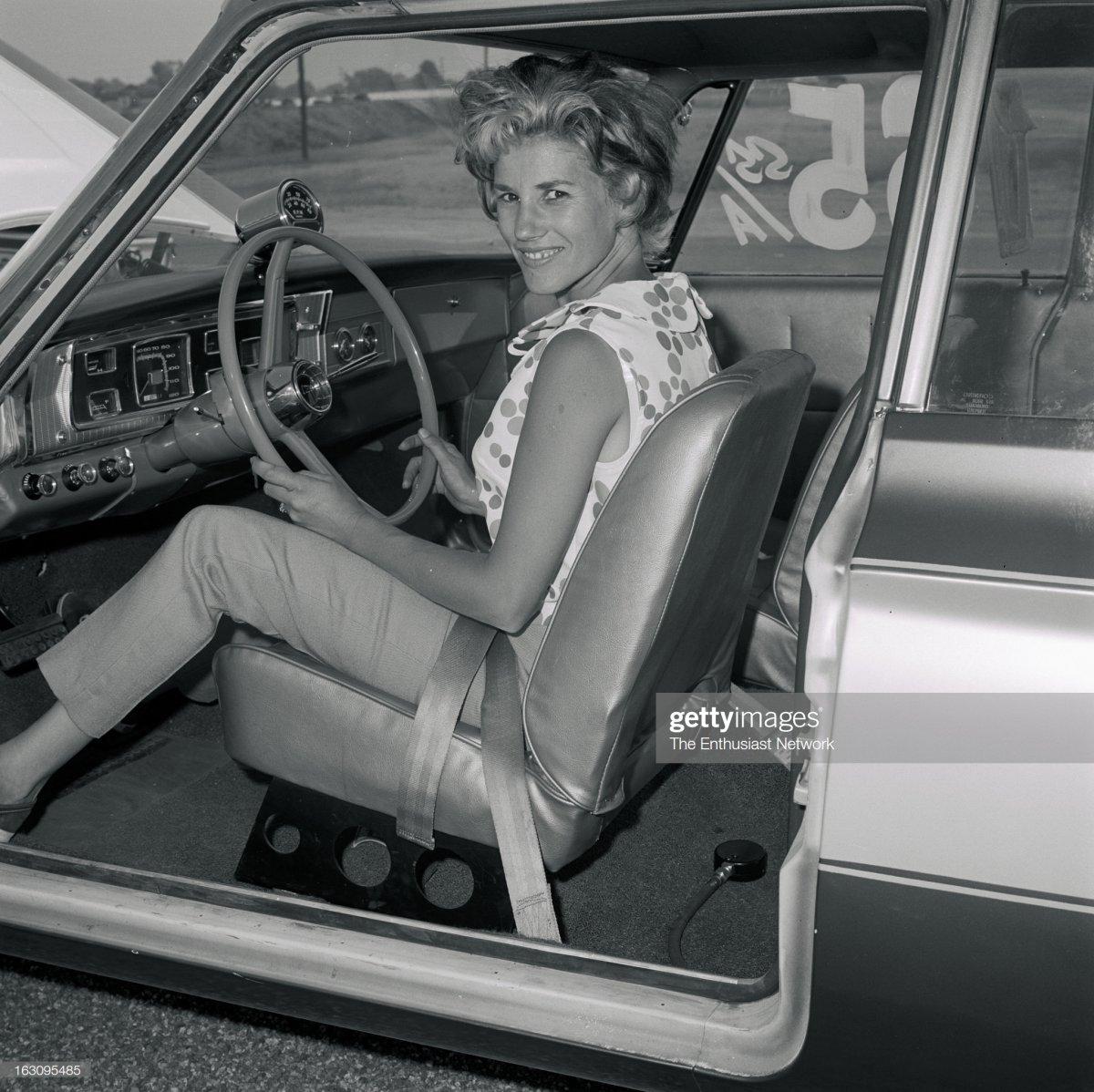 Bakersfield Smokers Meet Drag Races. Shirley Shahan, The Drag-On.jpg