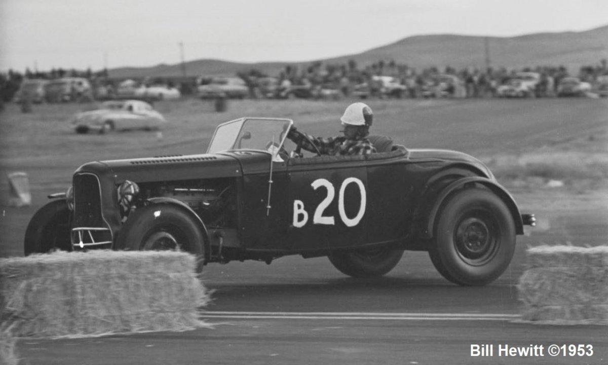 Balchowsky Deuce @ 1953 Reno Road Race (by Bill Hewitt) - 1.JPG