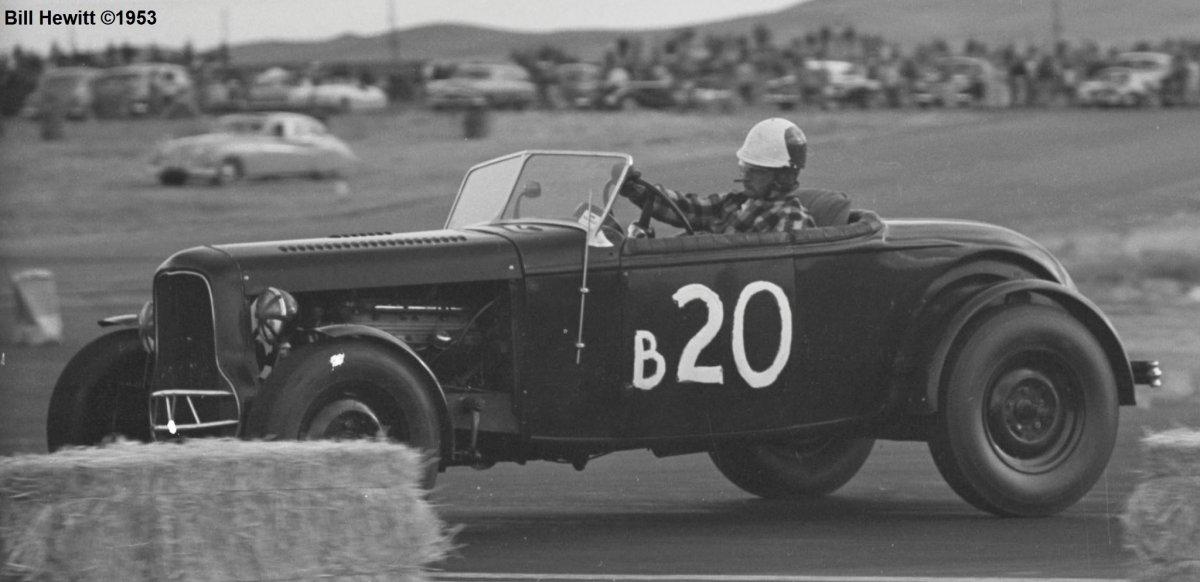 Balchowsky Deuce @ 1953 Reno Road Race (by Bill Hewitt) - 1a.JPG