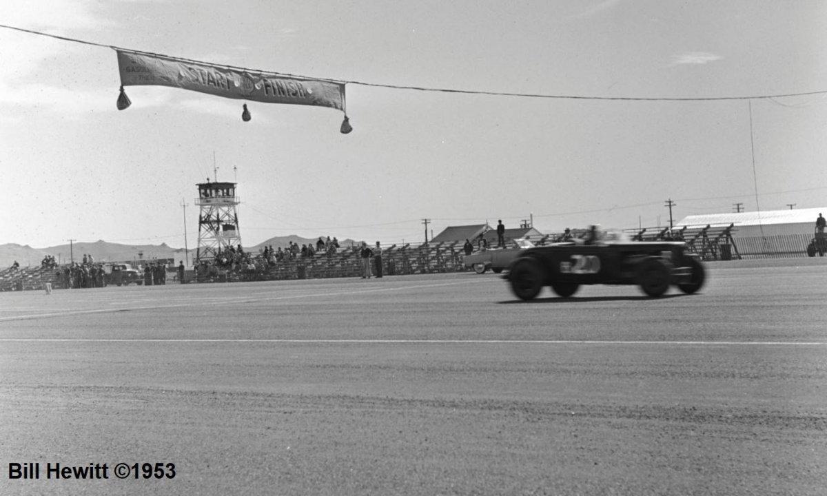 Balchowsky Deuce @ 1953 Reno Road Race (by Bill Hewitt) - 2.JPG