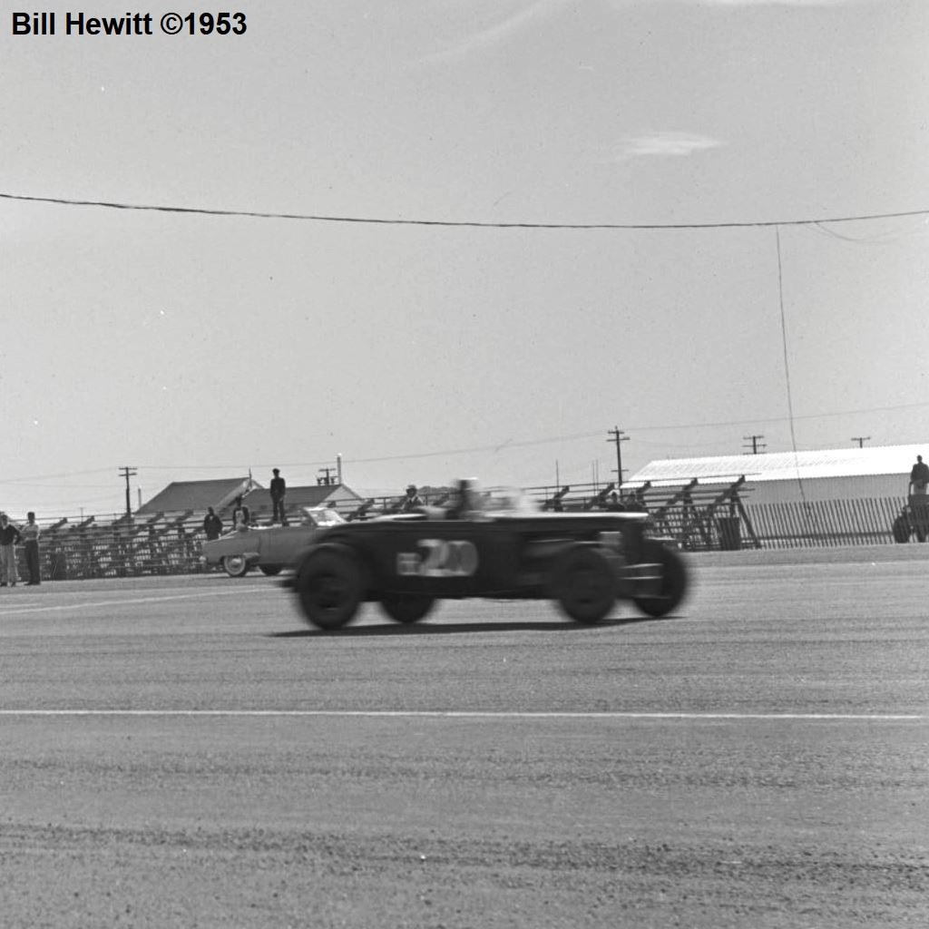Balchowsky Deuce @ 1953 Reno Road Race (by Bill Hewitt) - 2a.JPG