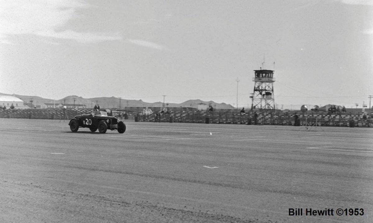 Balchowsky Deuce @ 1953 Reno Road Race (by Bill Hewitt) - 3.JPG