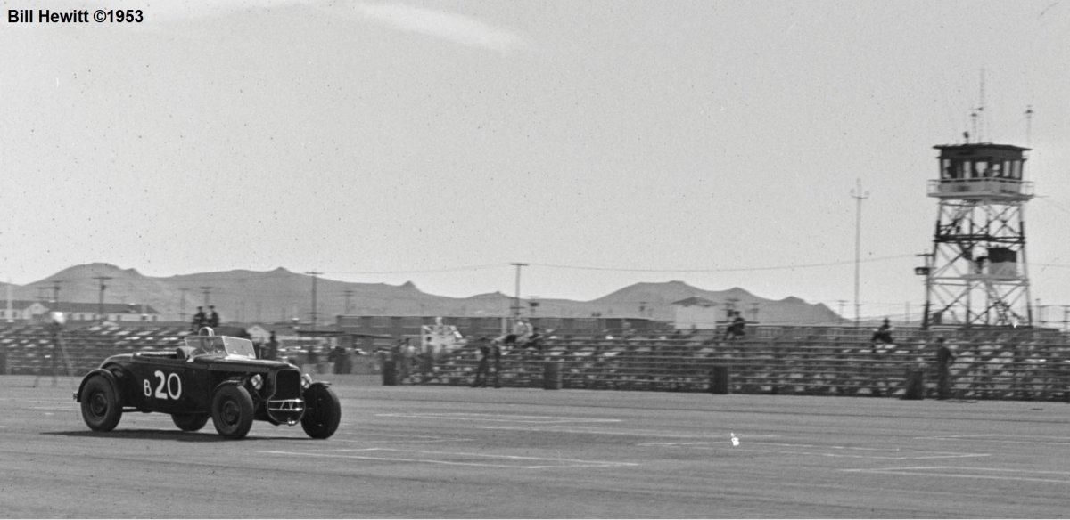 Balchowsky Deuce @ 1953 Reno Road Race (by Bill Hewitt) - 3a.JPG