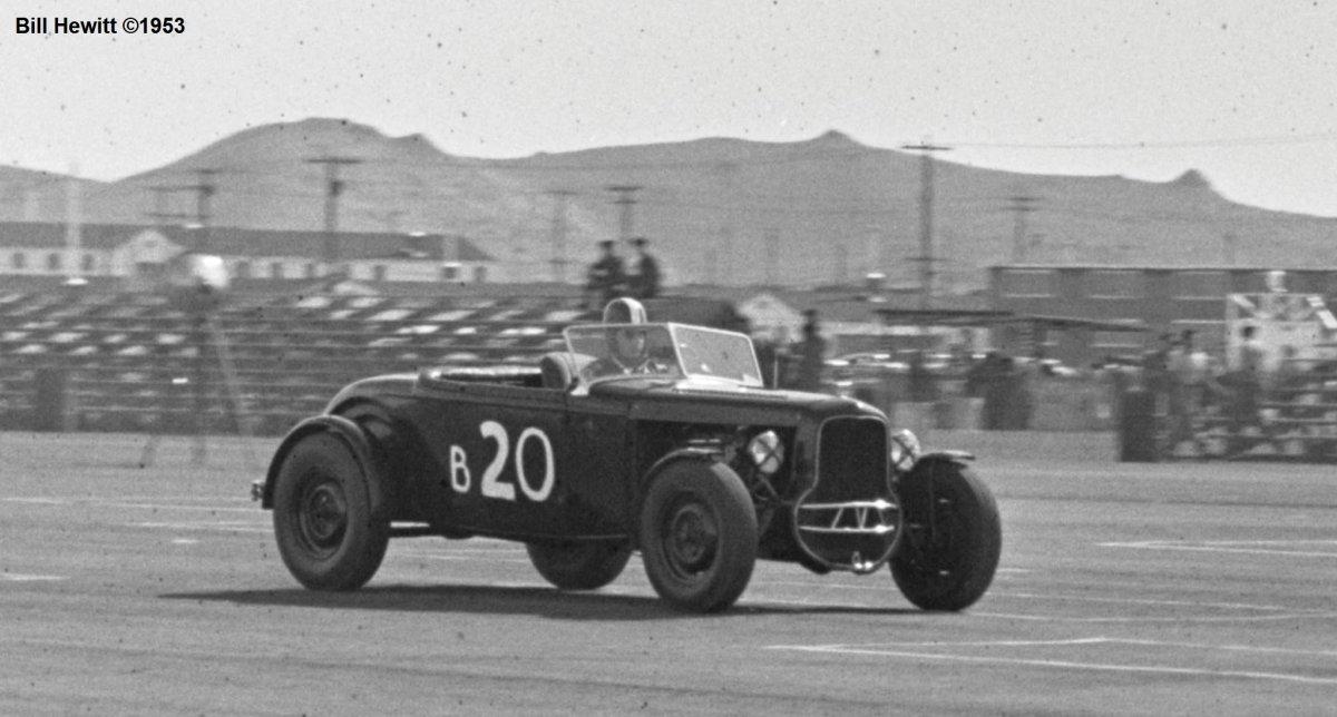 Balchowsky Deuce @ 1953 Reno Road Race (by Bill Hewitt) - 3b.JPG