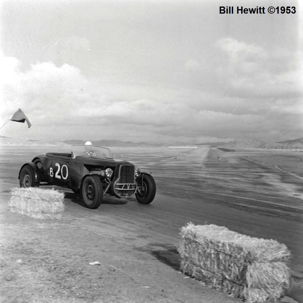 Balchowsky Deuce @ 1953 Reno Road Race (by Bill Hewitt) - 4.JPG
