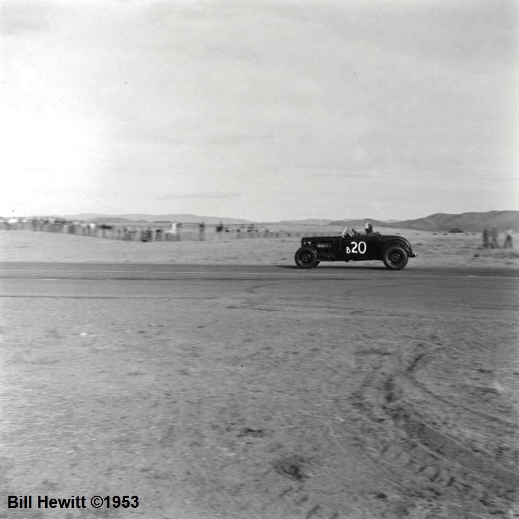 Balchowsky Deuce @ 1953 Reno Road Race (by Bill Hewitt) - 5.JPG