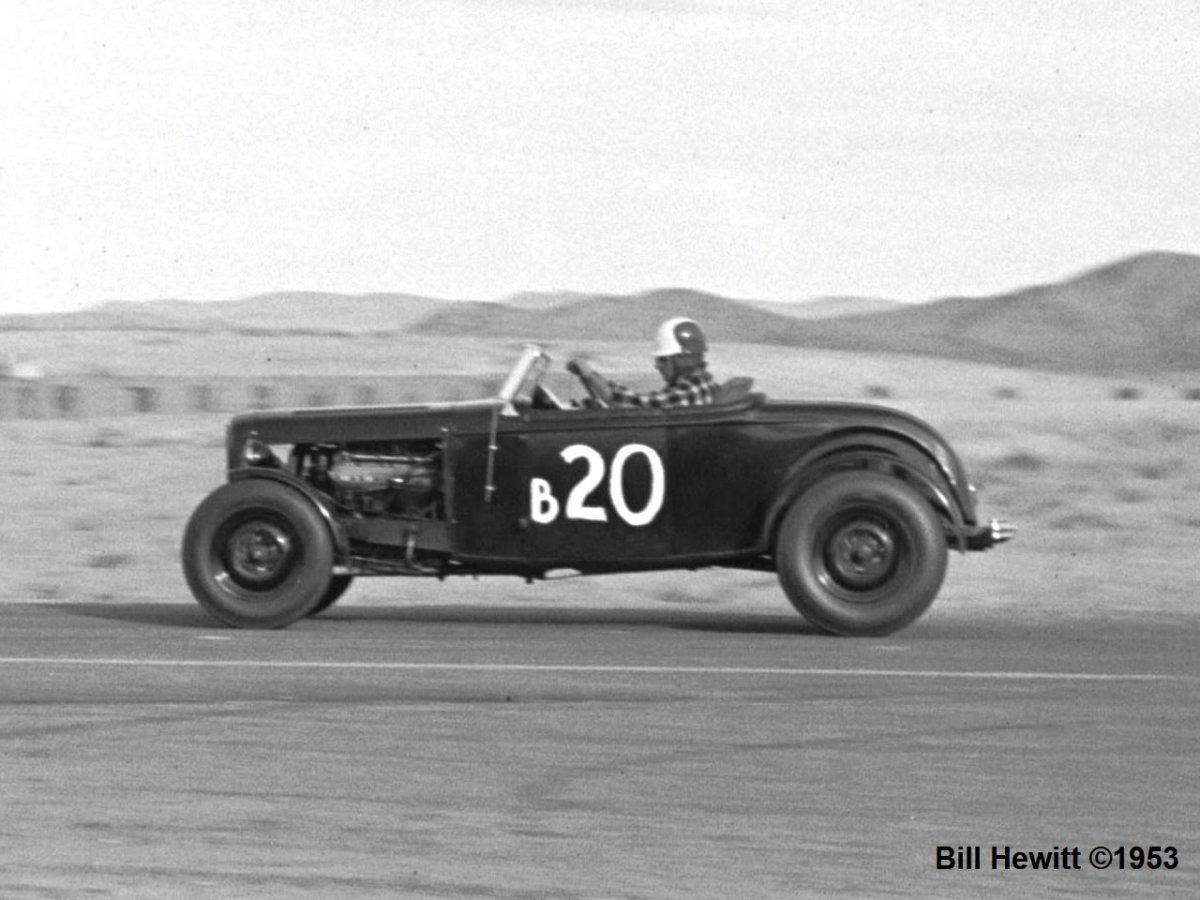 Balchowsky Deuce @ 1953 Reno Road Race (by Bill Hewitt) - 5a.JPG