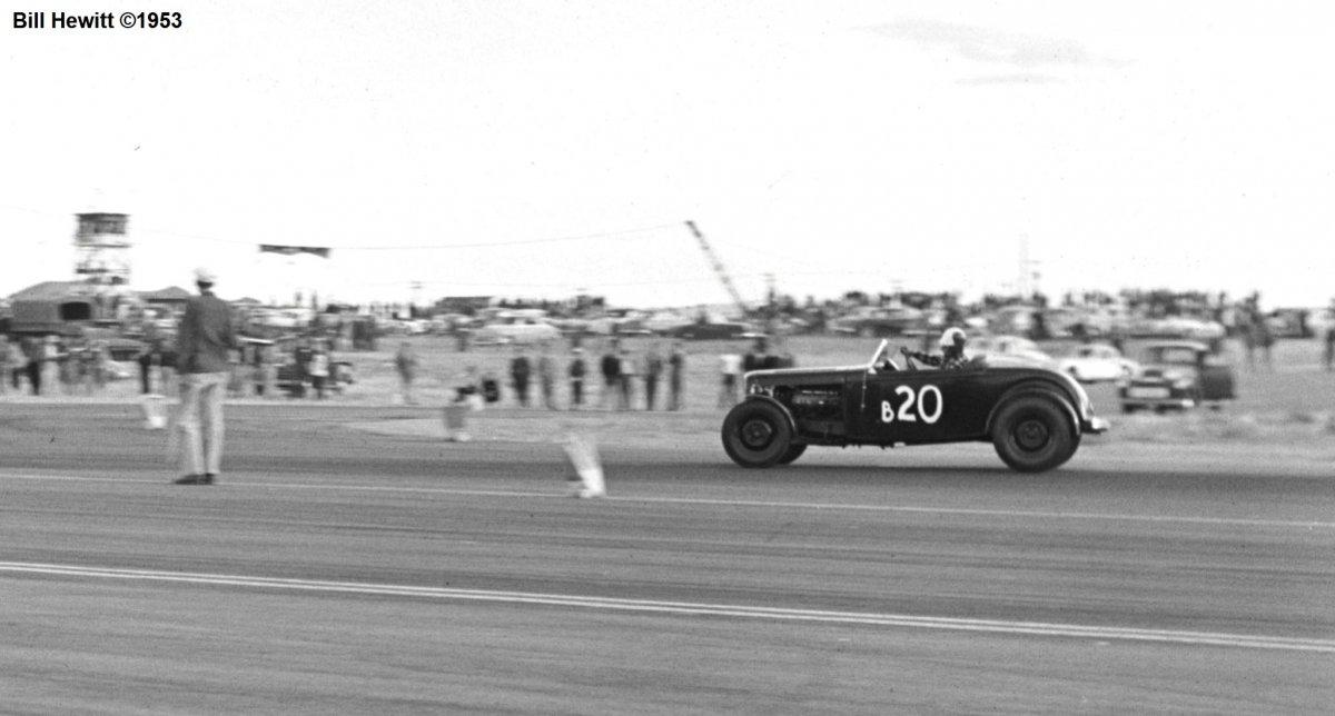 Balchowsky Deuce @ 1953 Reno Road Race (by Bill Hewitt) - 6a.JPG