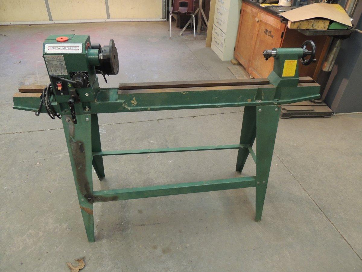 Basic Wood Lathe 1.JPG