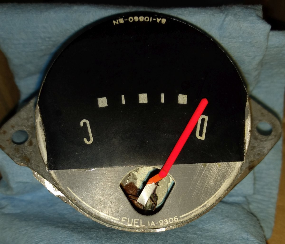 batt gauge details.jpg