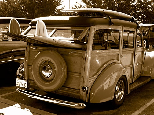 beccf587ed24e24f786dbf97e8ae68b6--woody-wagon-surf-decor.jpg