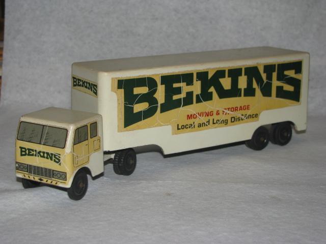 Bekins18WheelerRalstoyFront.JPG