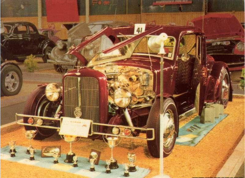 Bill Perriton's channeled '34 Plymouth coupe.PNG