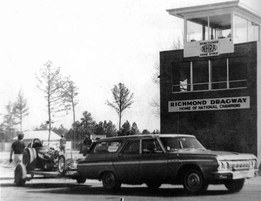 Bill Simpson hauled his dragster from Los Angeles to Virginia.jpg