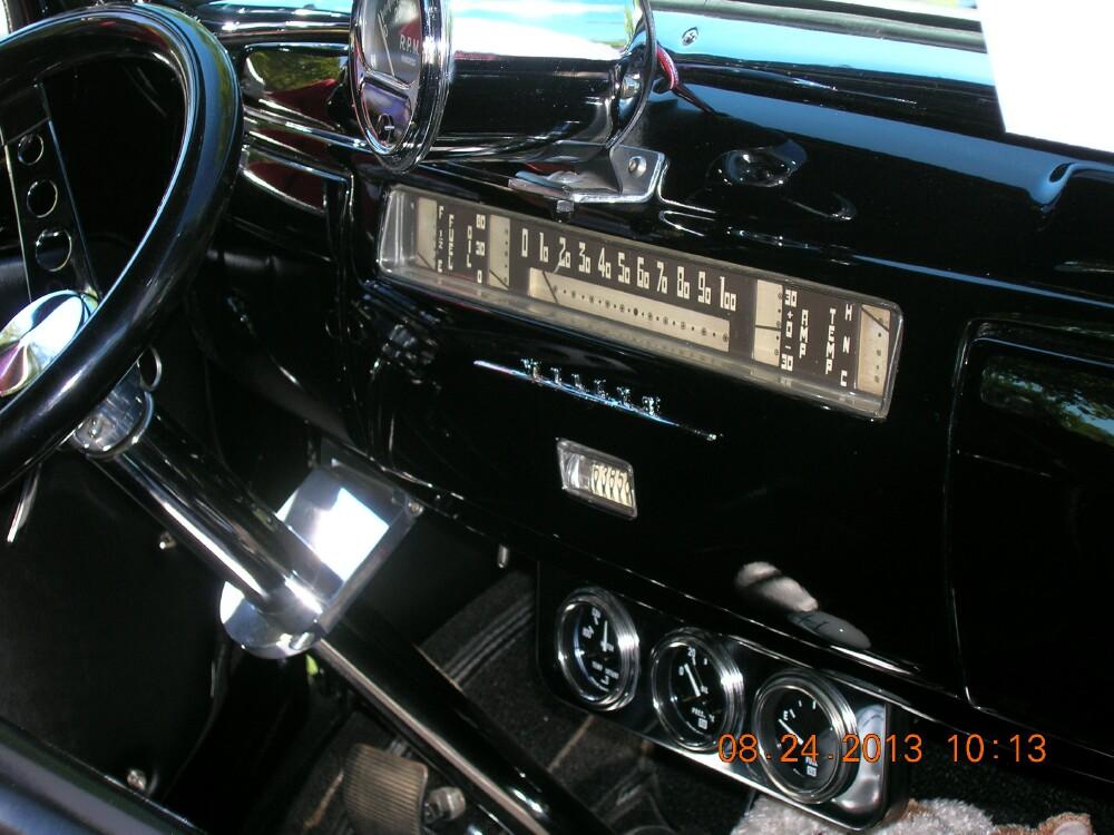 Black pickup at PL 3.jpg