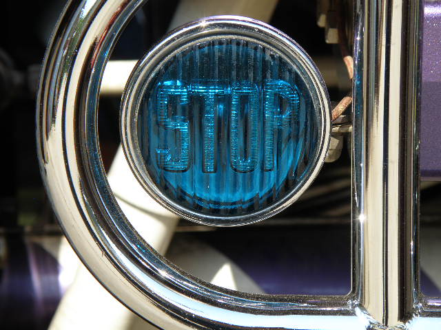 blue stop light 002.JPG
