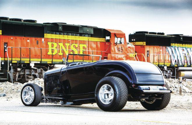 bob-bauder-1932-highboy-roadster-rear-end.jpg