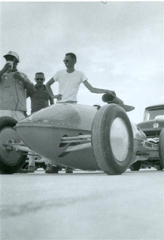 Bob Markley D Lakester @ Bonneville 1962 (by Burly Burlile).jpg