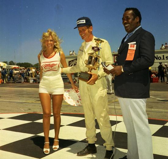 Bobby Unser Milwaukee Mile Miller 200 VL 1969 (patrick heaney).jpg
