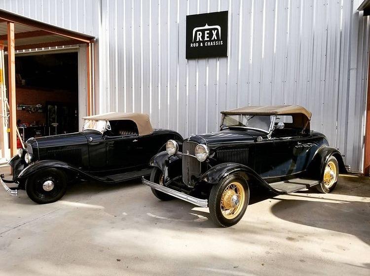 Brad Lindig & Brant Halterman '32 Roadsters at REX Rod & Chassis - Jan 7, 2021.JPG