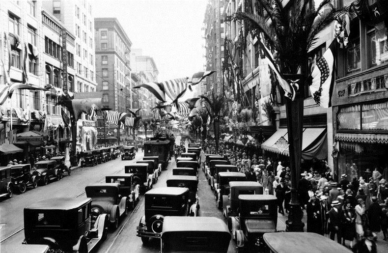 Broadway_ca1925.jpg