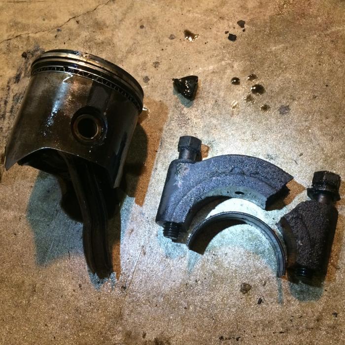 Broken_Rod_Crankshaft_Bearing_Cap.jpg