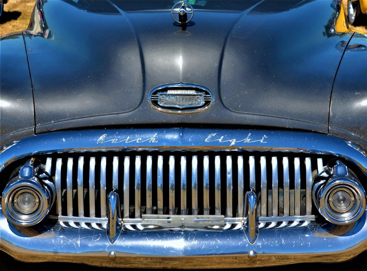 Buick 8.JPG