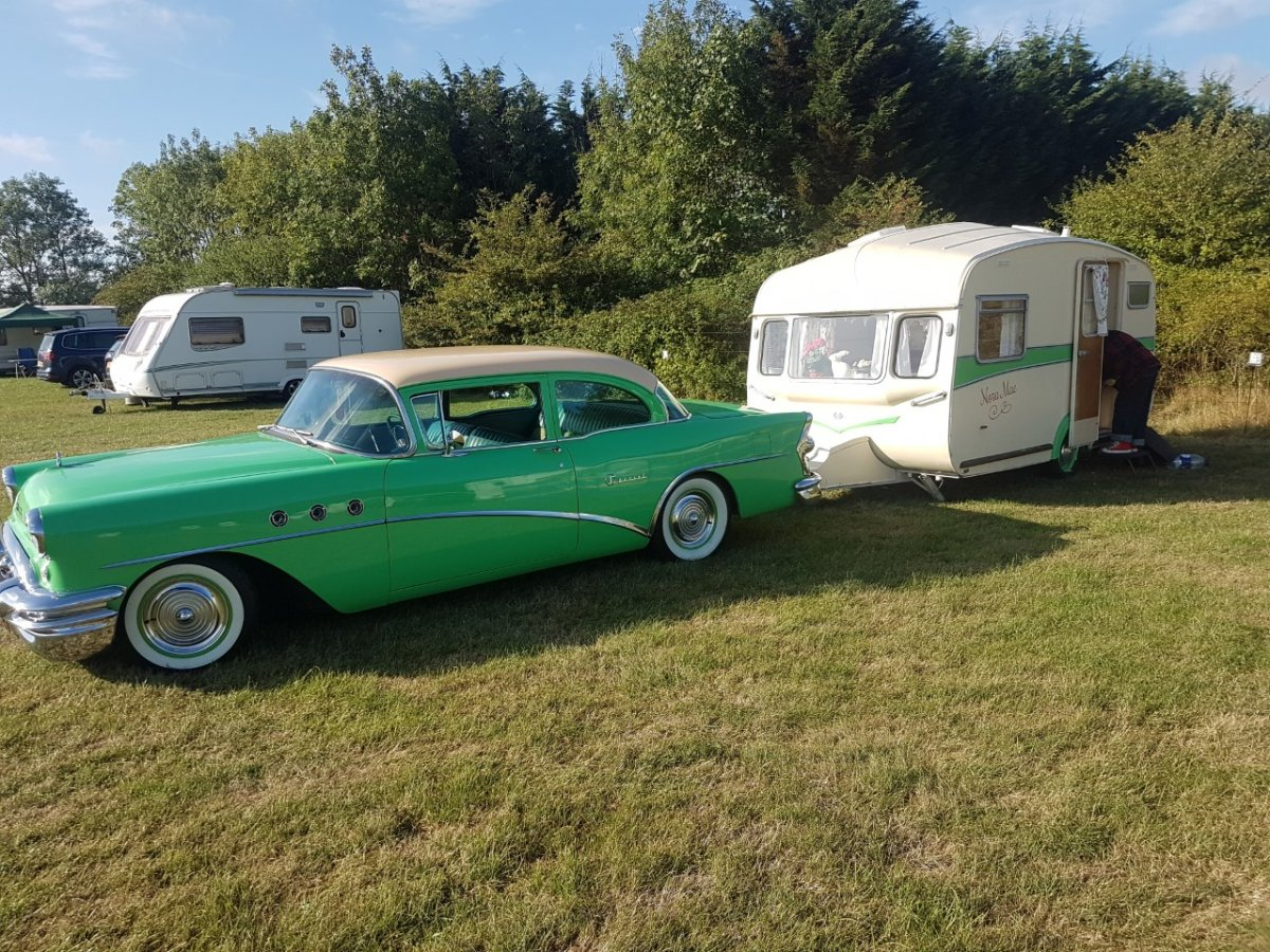 buick with trailer.jpg