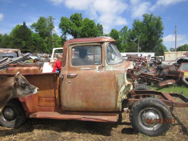 bull & 56 truck 002.JPG