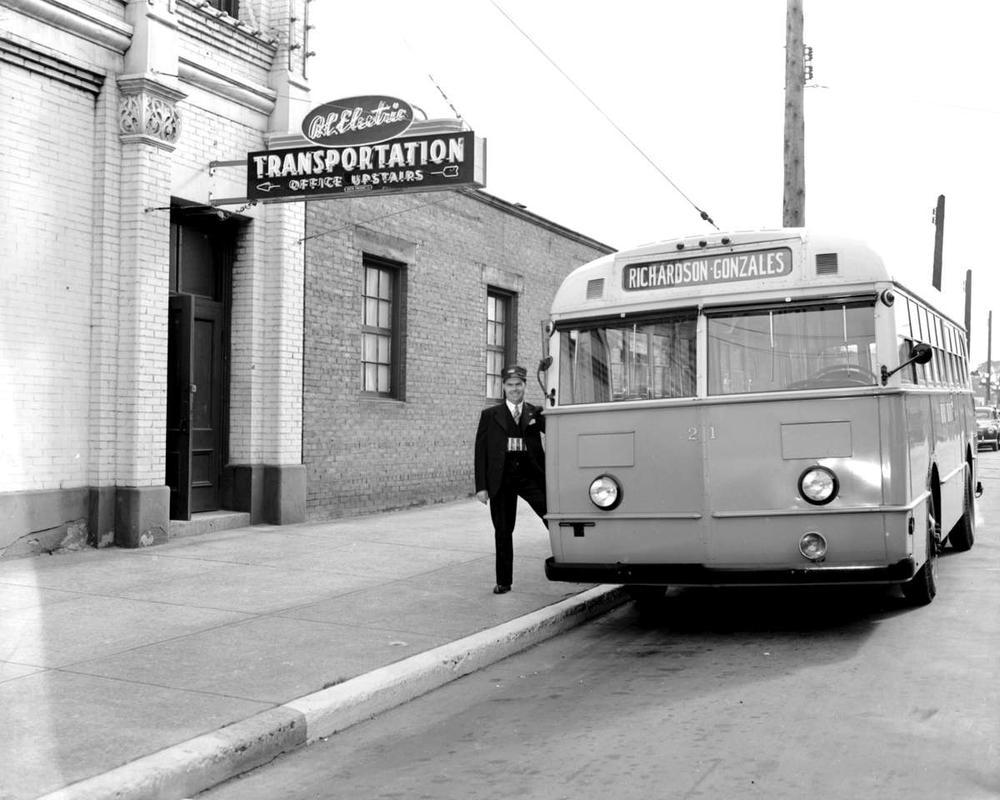 Bus Richardson-Gonzales route.jpg