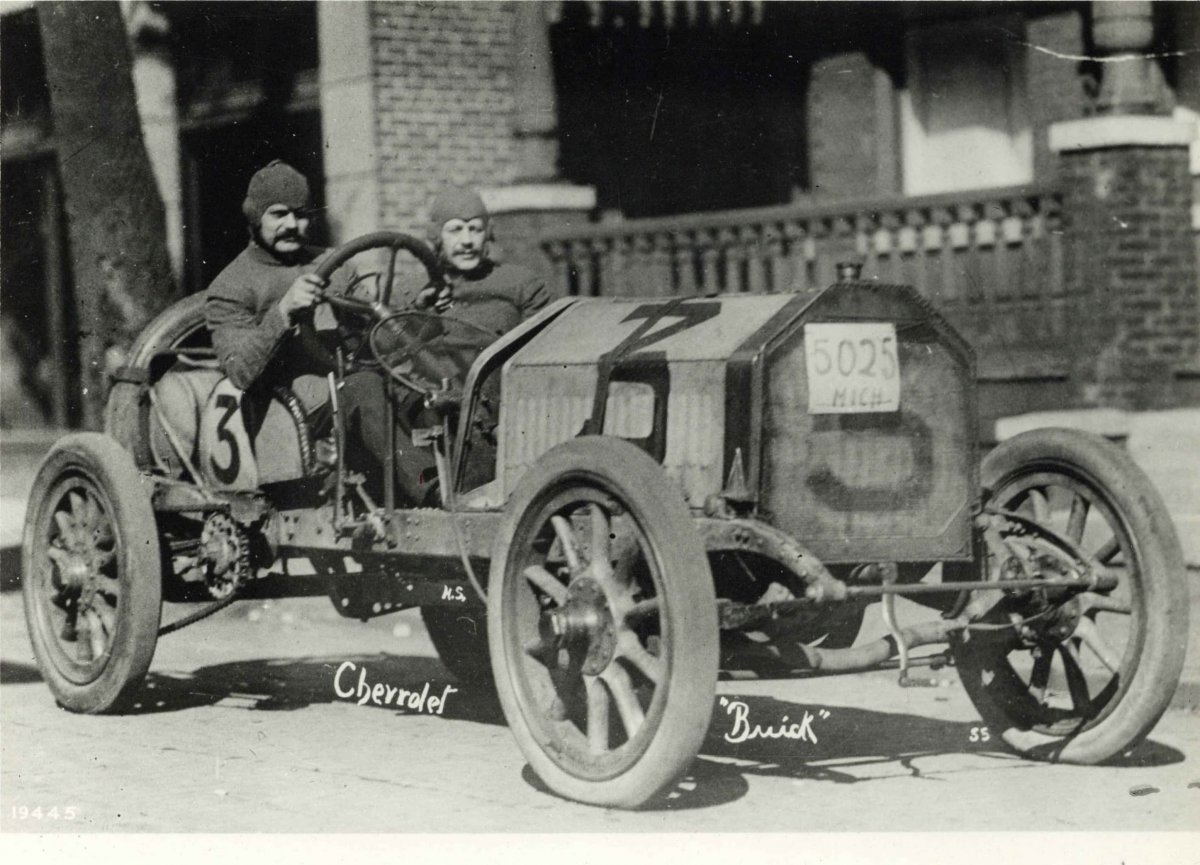 ca-1910-Arthur-Chevrolet-BUICK-official-Indy-500-10x8-photograph-front.jpg