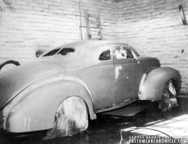 CCC-barris-40-ford-coupe-paint-shop-602x461.jpg